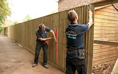 The Benefits of Using Fencing Experts
